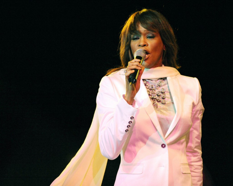 Whitney Houston estate working on hologram tour, new album