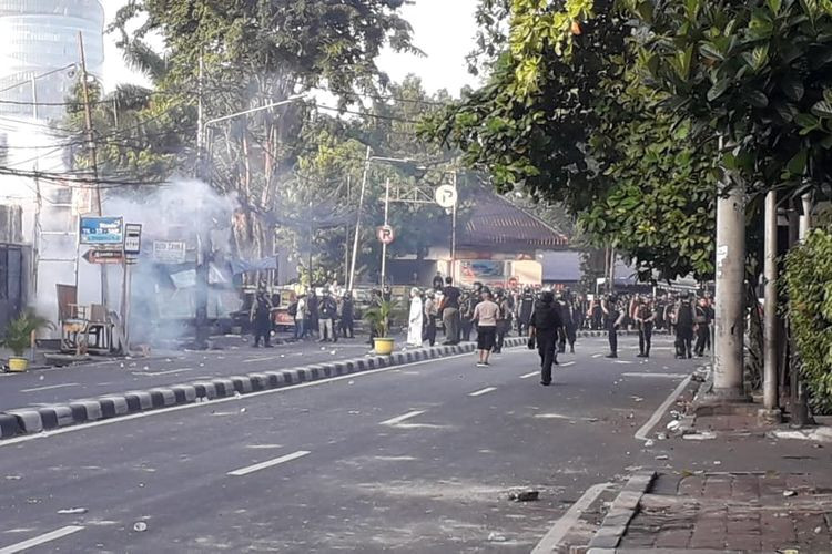Jakarta riot: Police dormitory under control after rioters burn cars nearby