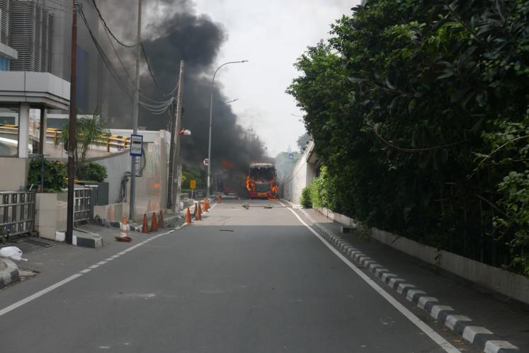 Jakarta riot: Street unrest reaches Slipi in West Jakarta
