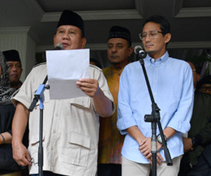 Prabowo tells everyone to calm down