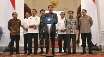 President Jokowi warns of 'stern actions' against rioters