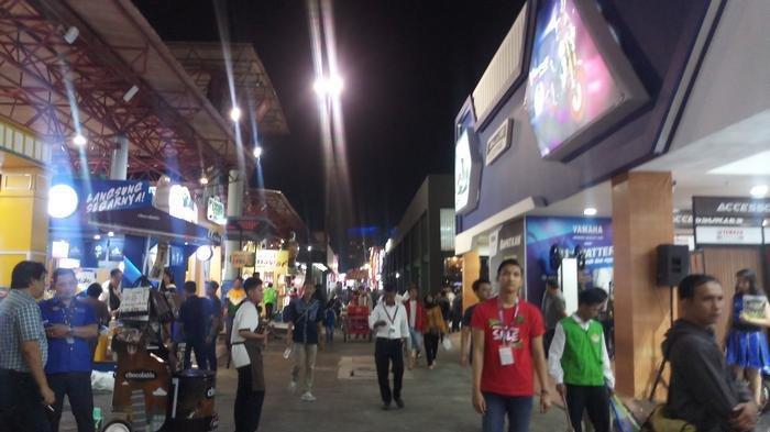 Police blame worn metal for Jakarta Fair carousel collapse