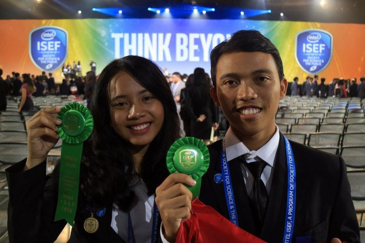 Bali students awarded in US for mangrove-based solution to biofouling