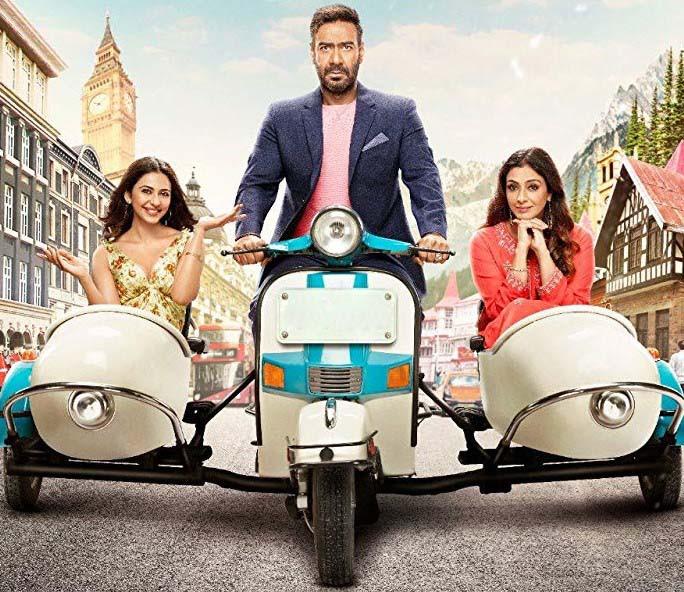 'De De Pyaar De': An entertaining Bollywood treat