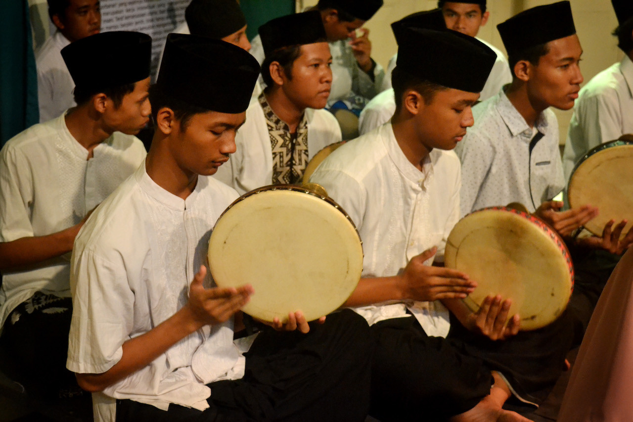 A 'Hadroh' music performance by students of MAN 1 Surakarta at the opening of the Welas Asih (Compassion) exhibition in Balai Soedjatmoko, Surakarta, Central Java.