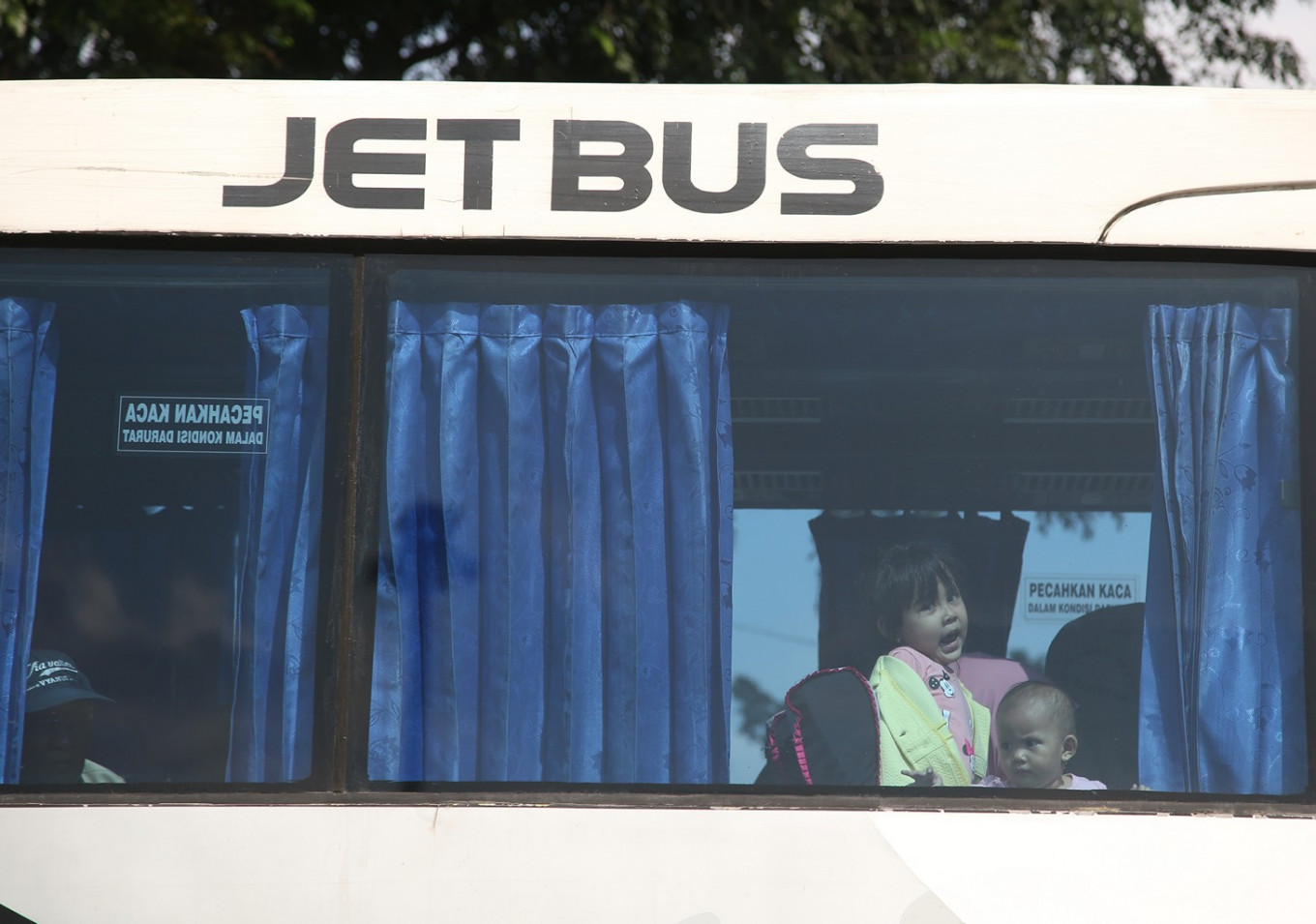 COVID-19: Jakarta to suspend interprovincial buses as 'mudik' persists