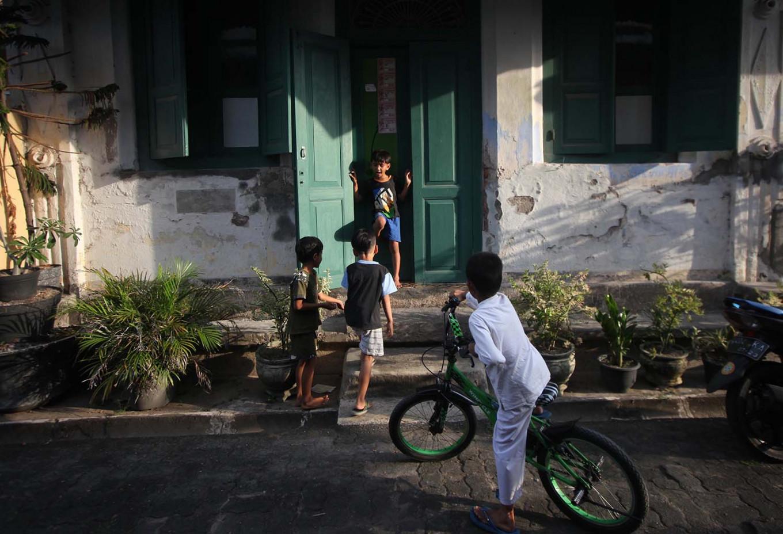 Children play in the neighborhood of Kauman. JP/Boy T. Harjanto