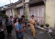 Foreign tourists stroll along in Kauman neighborhood. JP/Boy T. Harjanto