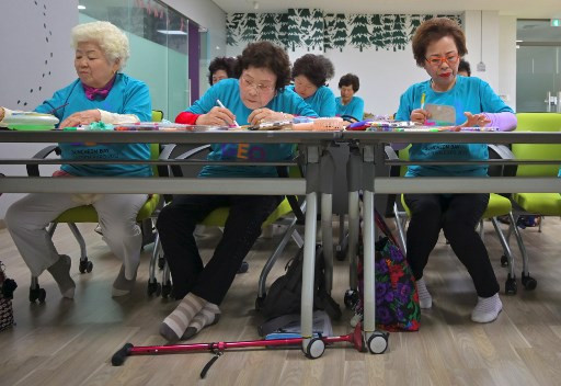 Illiterate to author: Ageing South Koreans embrace written word