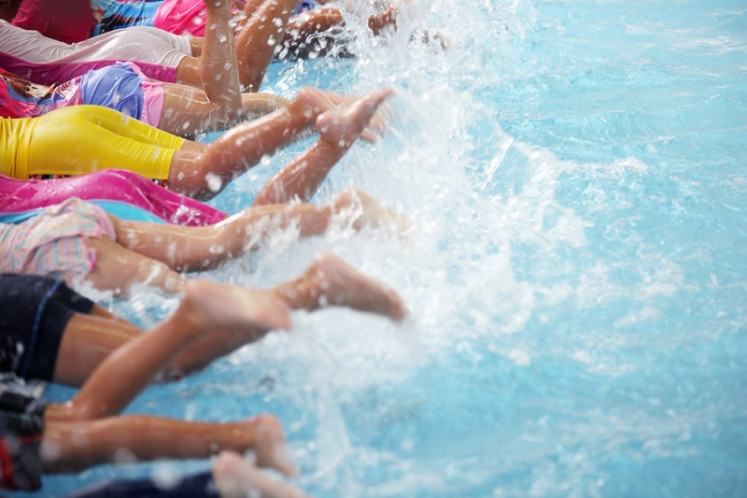 How to help your child become a strong swimmer