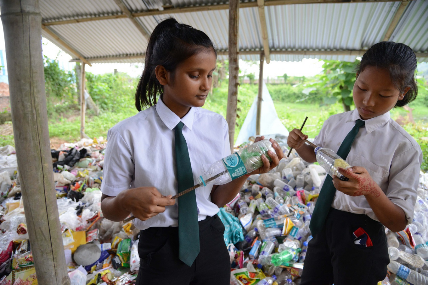 Indian school demands waste plastic as 'fees'