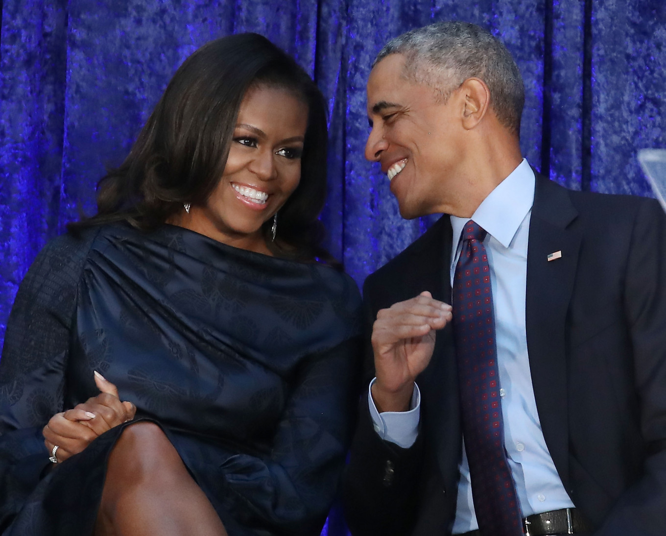 Obamas' production company will make podcasts for Spotify