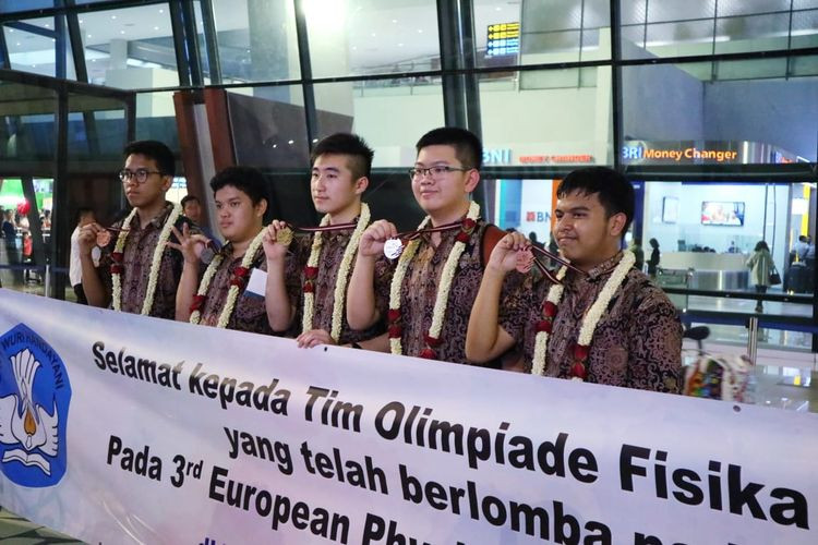 Indonesian students win big at European Physics Olympiad