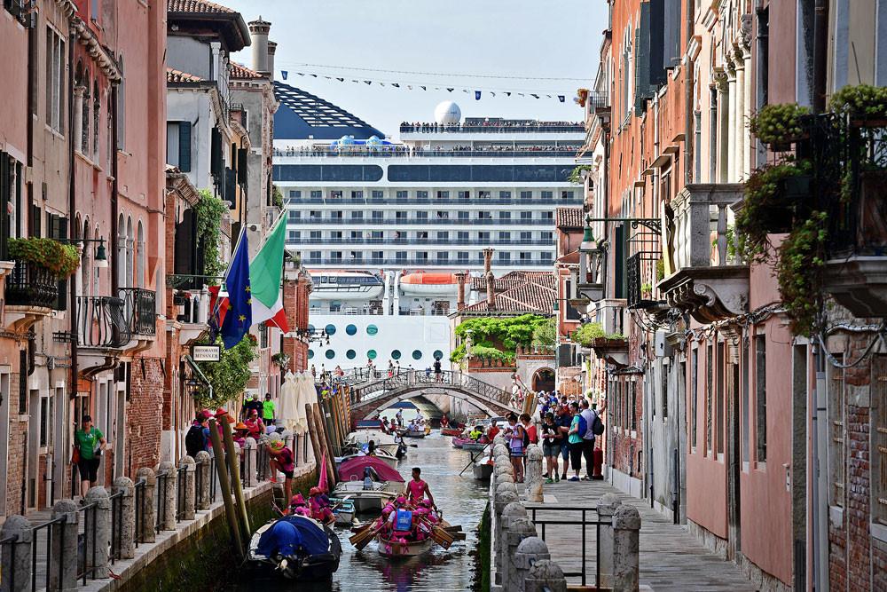 Venice calls European port cities to arms over cruise ships