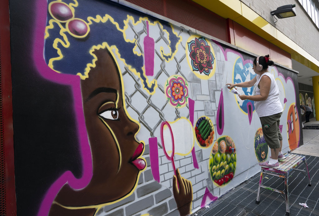 'First Lady' of NY graffiti now a businesswoman