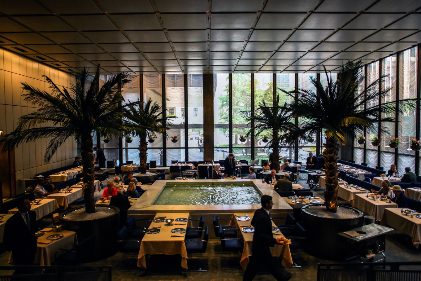 Four Seasons Restaurant, NYC Power Lunch Center, To Close