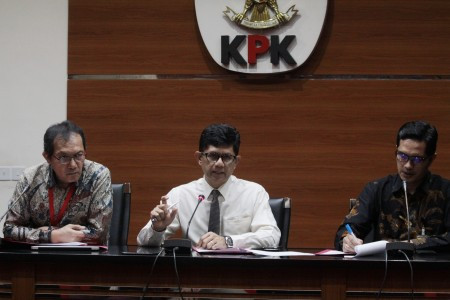 Hunt them down: KPK requests Interpol red notice for BLBI suspects