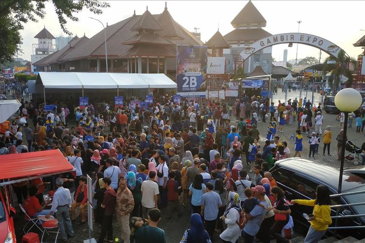 Collapsing merry-go-round causes injuries at Jakarta Fair