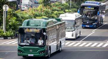 Transjakarta electric bus first trial ends with optimism