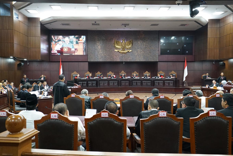 Prabowo decries 'vote stealing '
