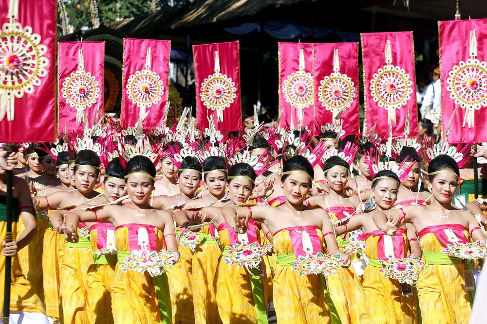 Bali Arts Festival opens with flamboyant street parade