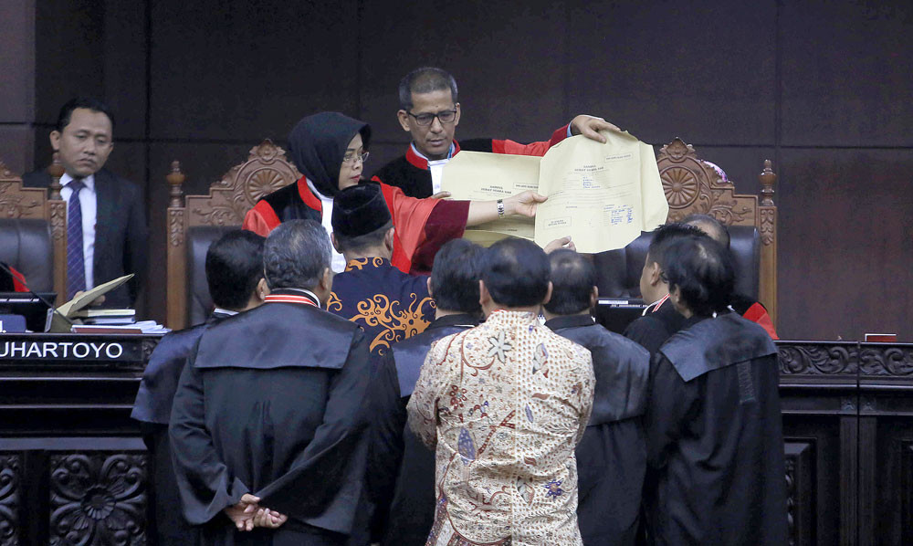 BREAKING: Court rejects Prabowo's vote-rigging claims