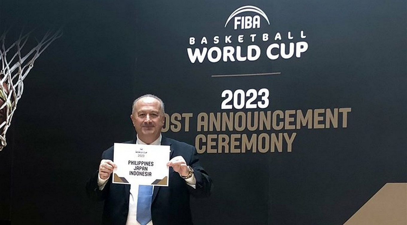'We must make the best of it': Jokowi upbeat on Indonesia cohosting World Cup basketball
