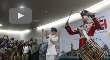 MRT Jakarta, UK Embassy celebrate city's anniversary with military music