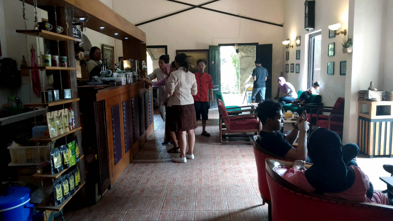 Visitors can visit the cafe to taste the coffee.