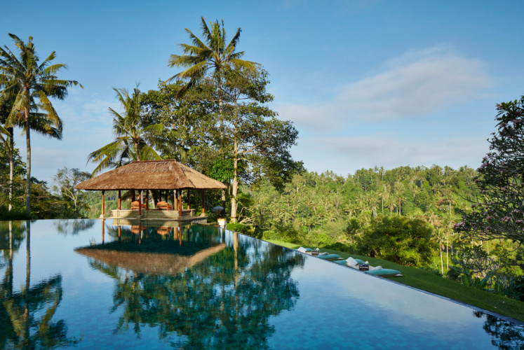 The main infinity pool at Amandari overlooks the Ayung valley and rice terraces.