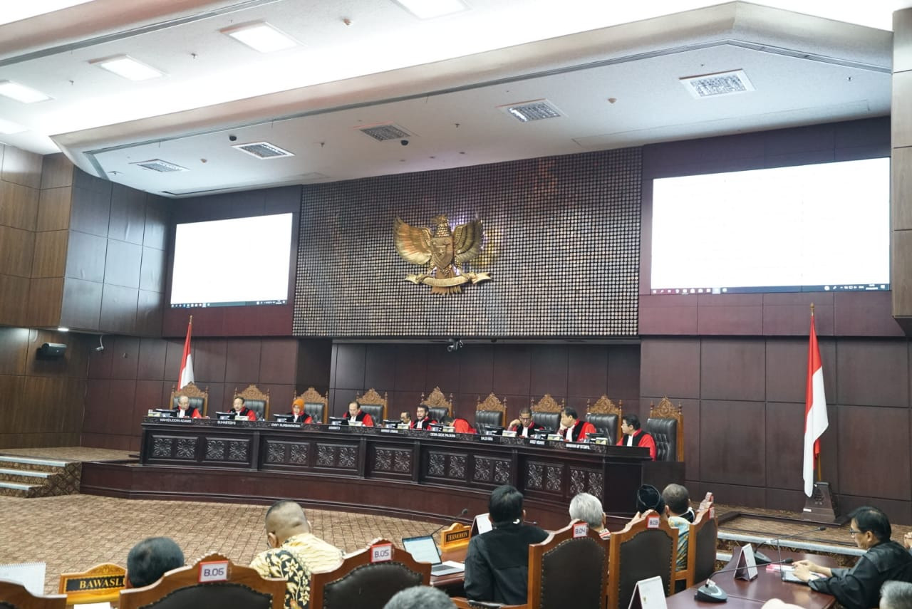 House passes Constitutional Court Law revision amid public outcry