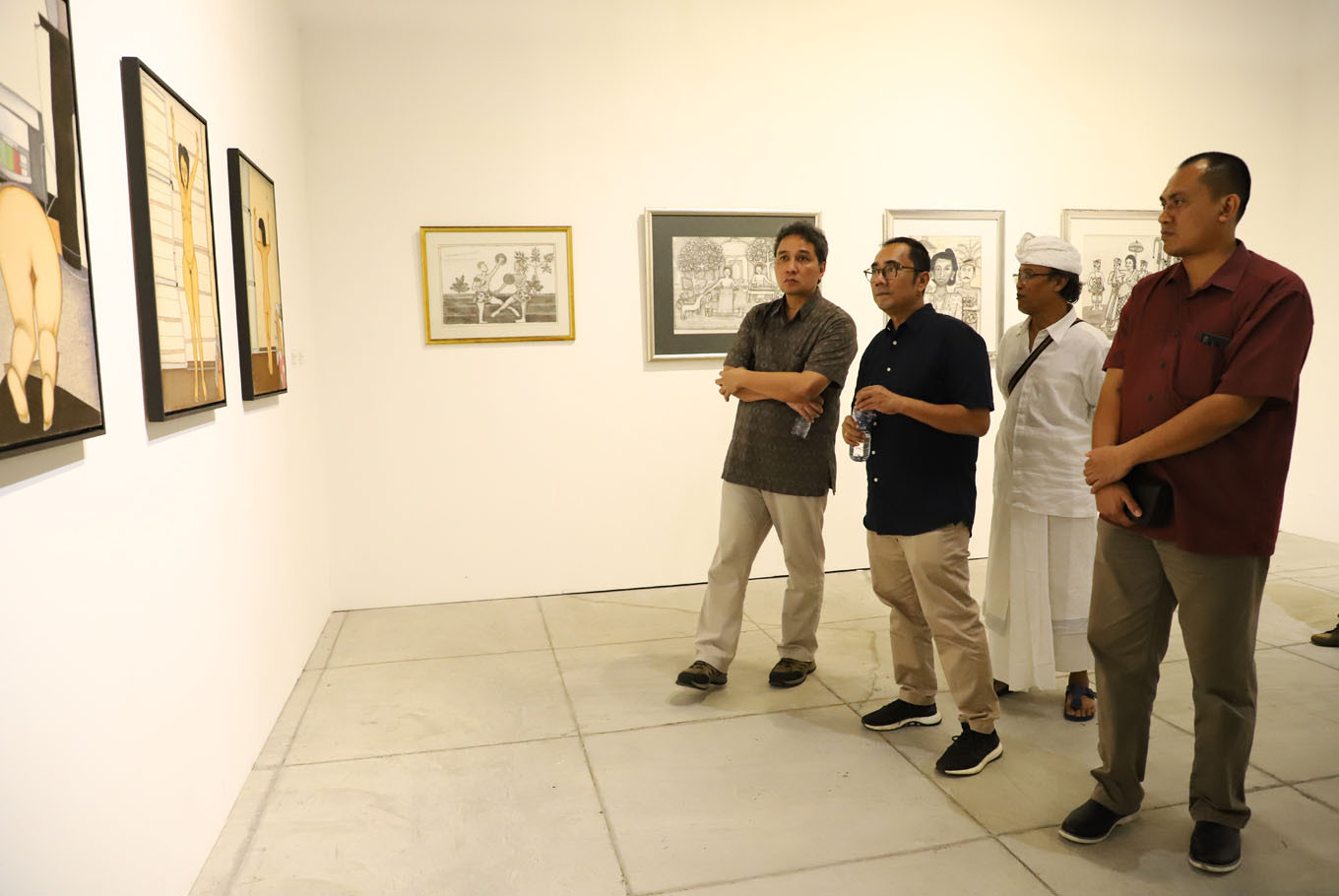 Balinese Masters opening featuring Hilmar Farid, curator Rifky Effendy and artist I Wayan Sika.