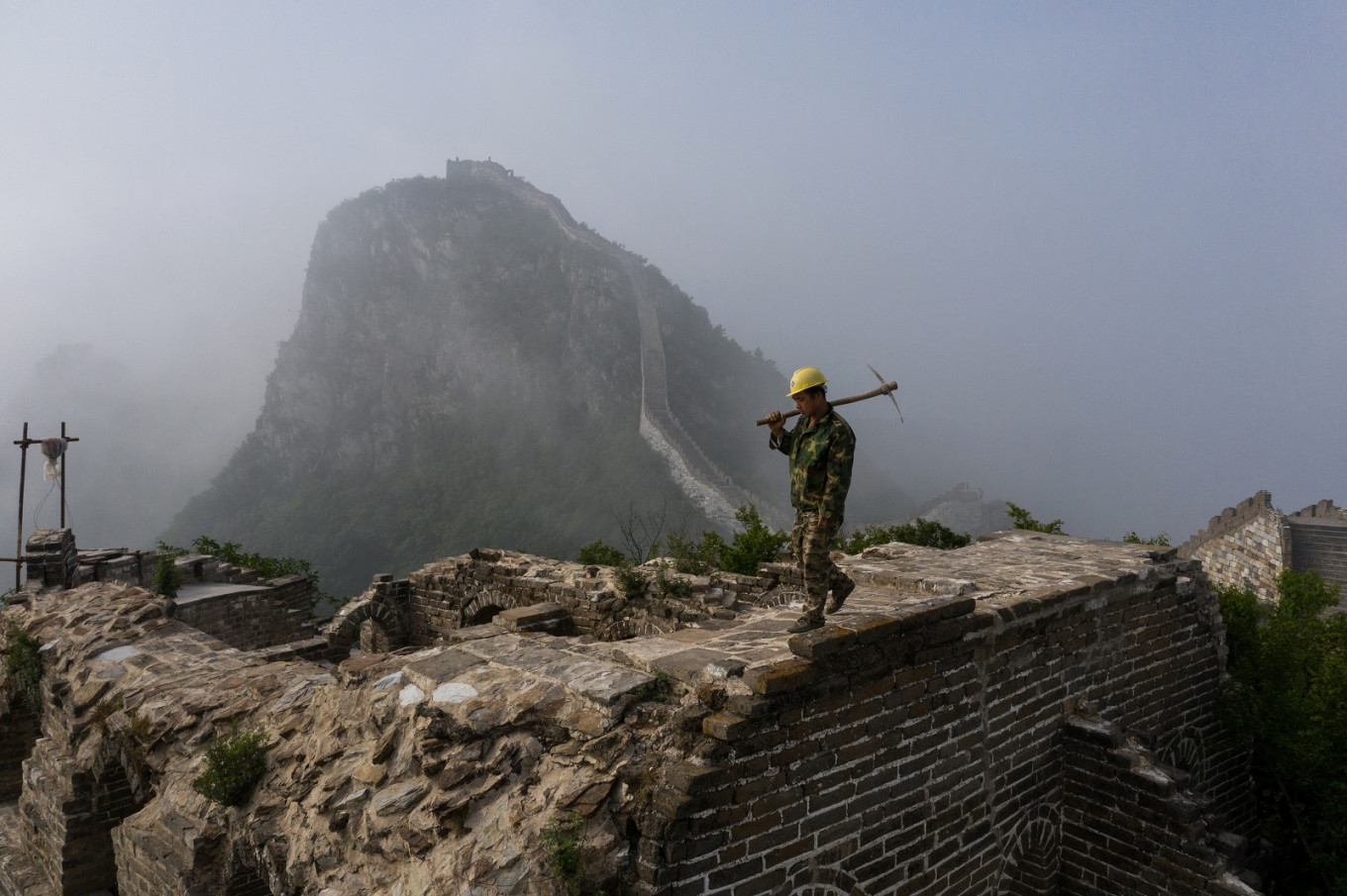 Mules Tools And Old Bricks Rebuilding China S Great Wall Art Culture The Jakarta Post