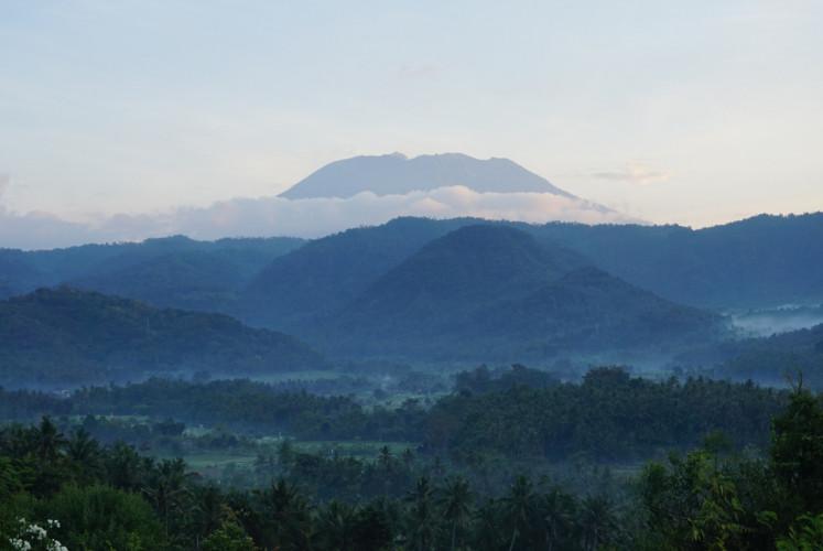 The peak of Mount Agung as seen from Tamansari.