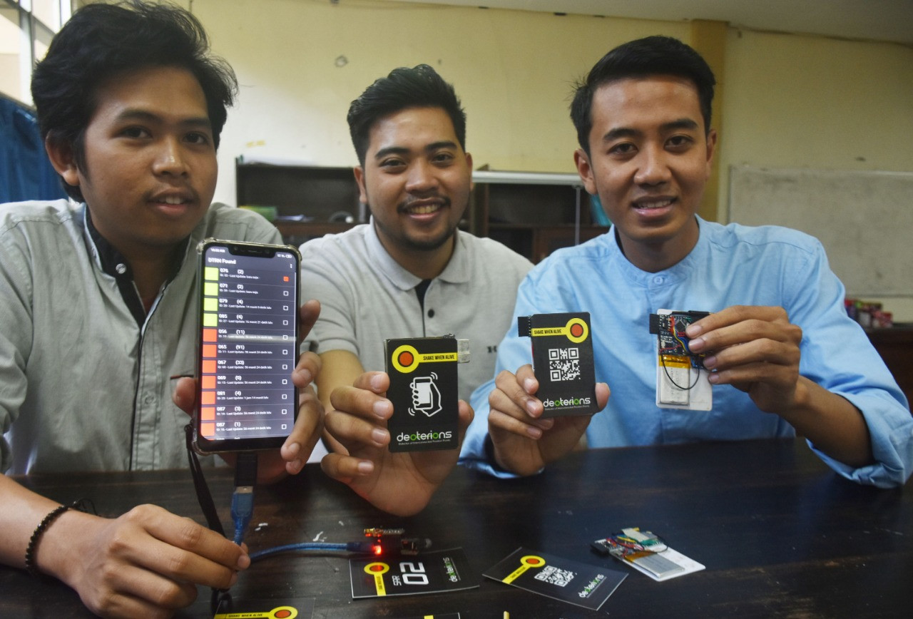Brawijaya University students invent device to locate earthquake victims