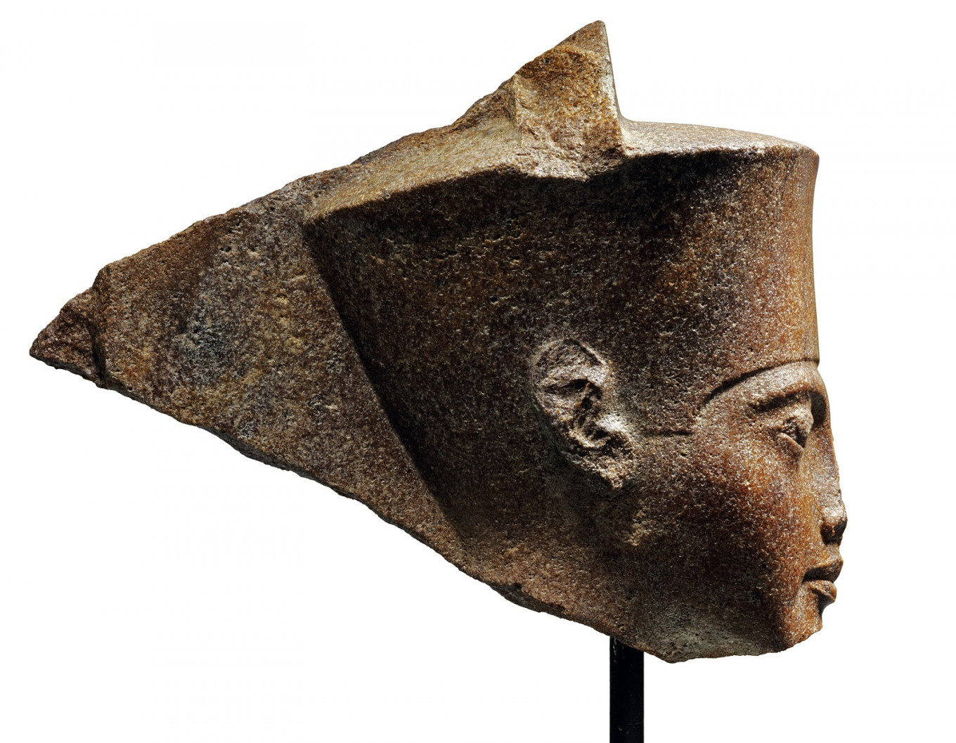 Tutankhamun sculpture's London auction sparks Egyptian outcry