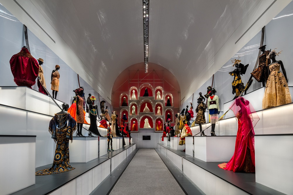 Historical exhibition Dior: From Paris to the World opens in Dallas