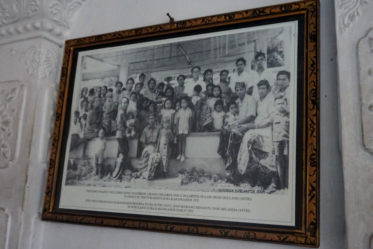 King Karangasem captured alongside the royal family in 1952. The photo can be seen at Balai Gili at Taman Ujung water palace in Karangasem regency, Bali.