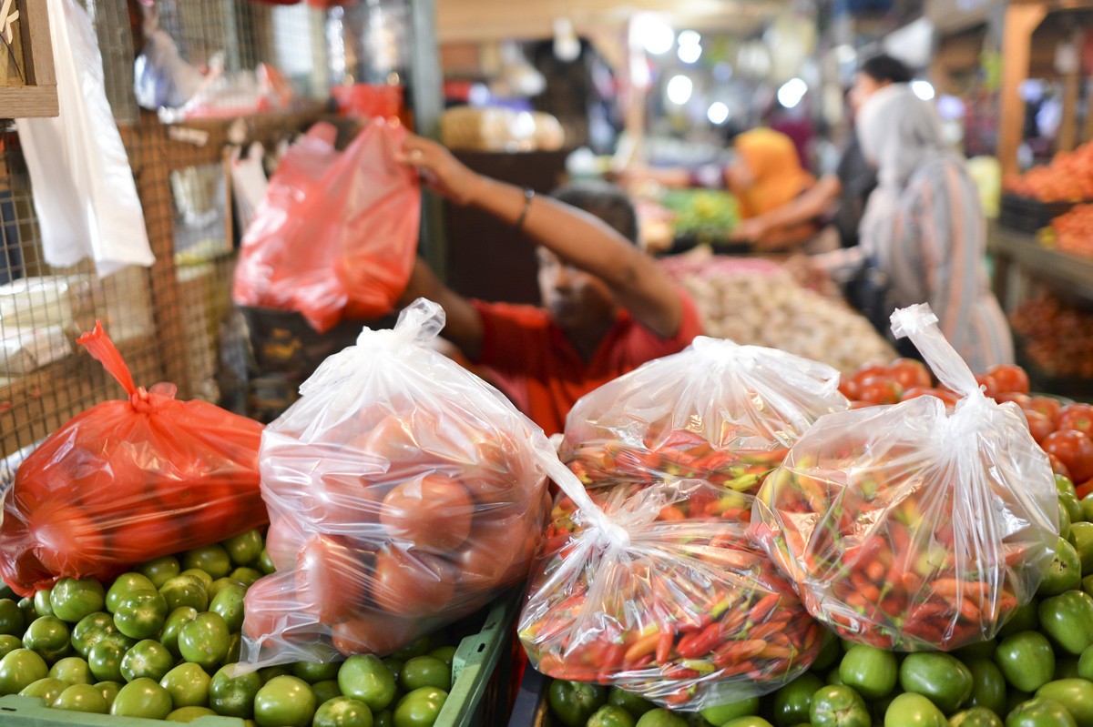 Jakarta secures food supply for Ramadan, Idul Fitri as COVID-19 stokes anxieties