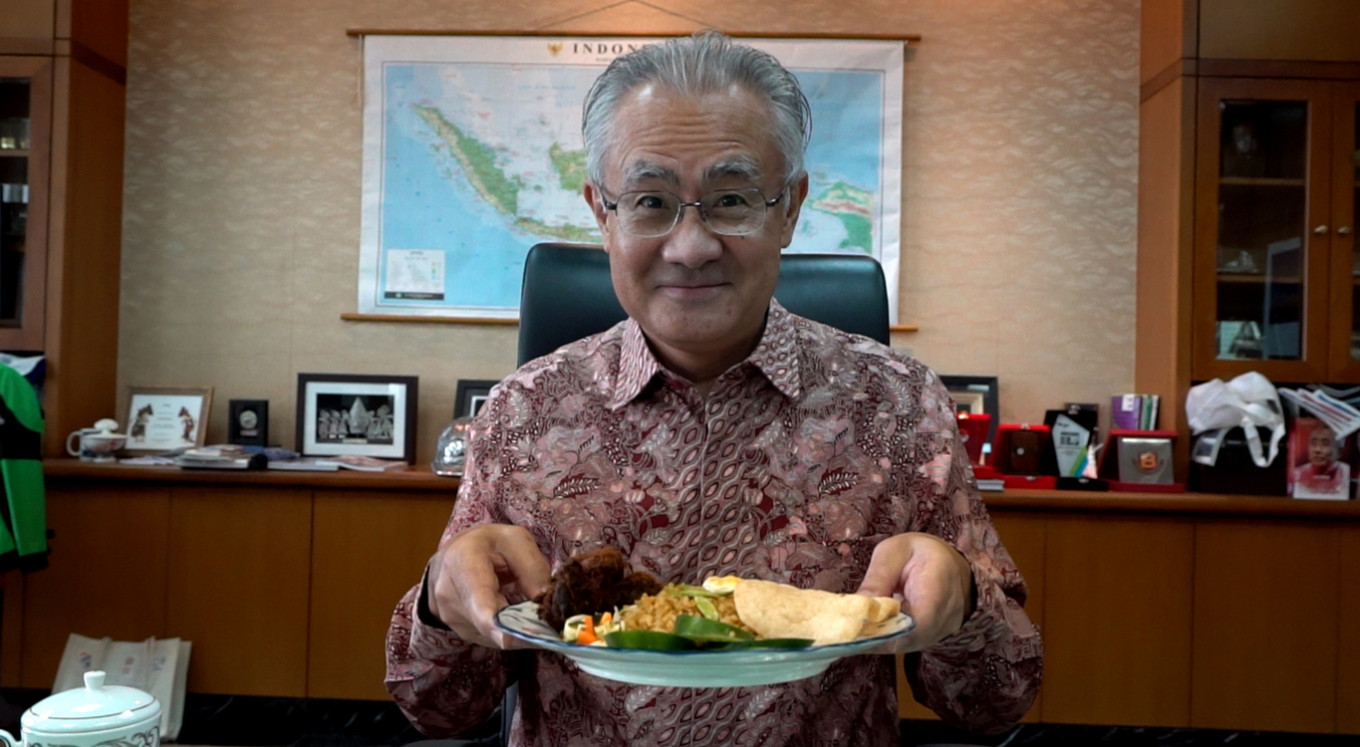 New foodie in town: Japanese ambassador to Indonesia snaps his daily lunch