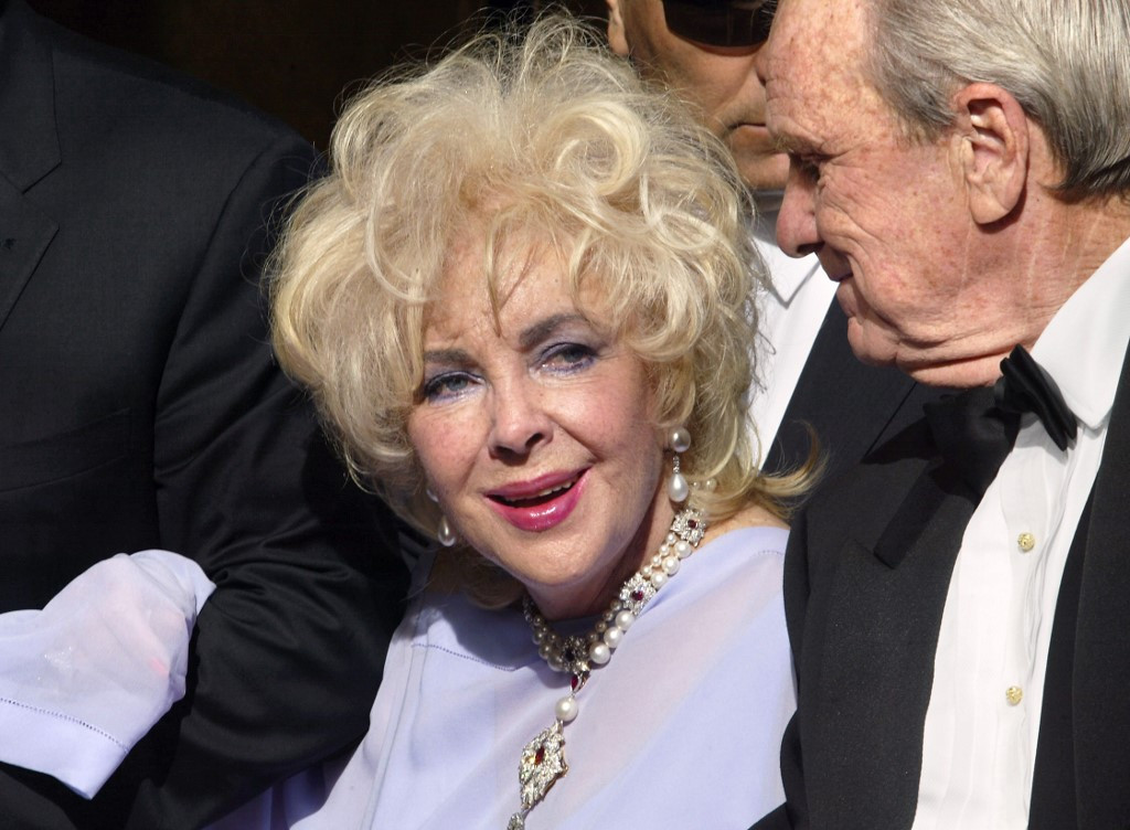 Elizabeth Taylor's Oscars dress among her items heading to auction