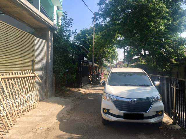 Depok seeks to fine owners of carelessly parked cars through bylaw revision