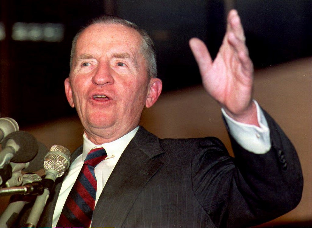 Ross Perot, billionaire who sought presidency, dead at 89