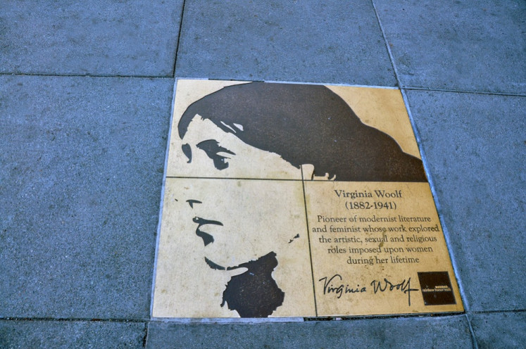 Virginia Woolf statue campaign gets cash boost from nude controversy