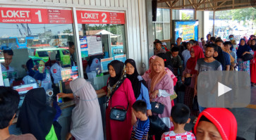 Commuter Line scraps one-day ticket sales at five stations