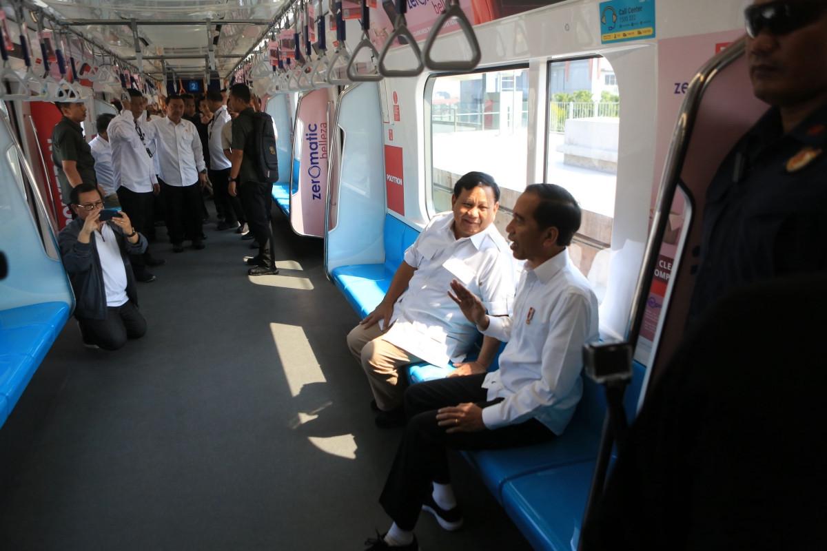 'Pecel', 'sate kambing' spice up Jokowi-Prabowo meeting