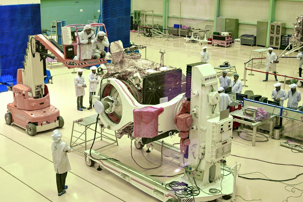 India suspends moon mission launch shortly before takeoff