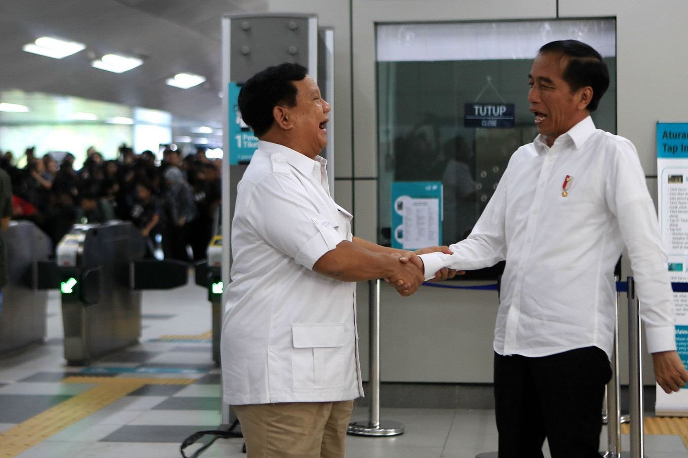 'I congratulate Jokowi as President': Prabowo meets Jokowi at MRT station
