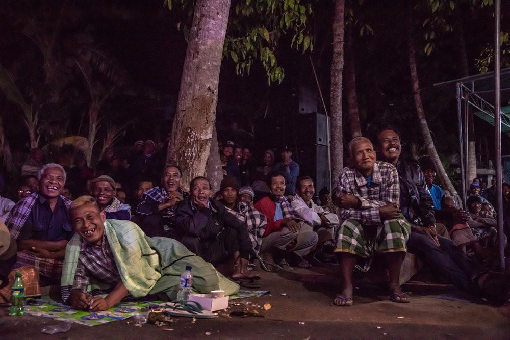 A crowd in Bantul enjoys a performance as Ki Seno begins his opening chant. JP/Tyler Blodgett
