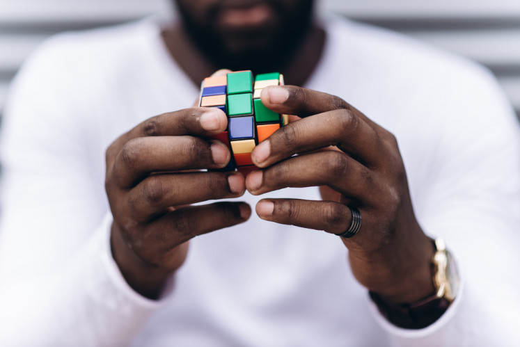 For the first time, AI solves Rubik's Cube with no human help